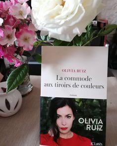 Les Lectures de Lily: La commode aux tiroirs de couleurs (♥♥♥♥) écrit par Olivia Ruiz Women, Drawers, Dresser, Colors, Reading, Music