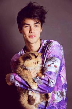 cat and vini uehara resmi
