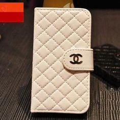 シャネルラグカーペット マット 円形 絨毯 ブランド 防ダニ防臭 可愛い オシャレ ラグマット Rugs On Carpet, Continental Wallet, Louis Vuitton, Chanel, Iphone, My Style, Design, Wallets, Clothes