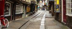 Η μεσαιωνική γειτονιά Shambles βρίσκεται στην καρδιά της Βρετανίας και σε περιμένει για ένα όμορφο ταξίδι στο χρόνο και τον Μεσαίωνα.