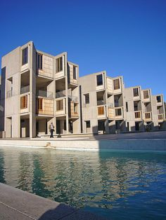 Louis Kahn / Salk Institute for Biological Studies. Louis Kahn, Space Architecture, School Architecture, Amazing Architecture, Facade Pattern, Postmodernism, La Jolla, Beautiful Space, Scenery