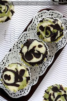 Steamed cupcakes with matcha and chocolate flavors