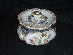 VINTAGE DRESDEN BLUE SCALE & HANDPAINTED FLOWERS LIDDED INKWELL