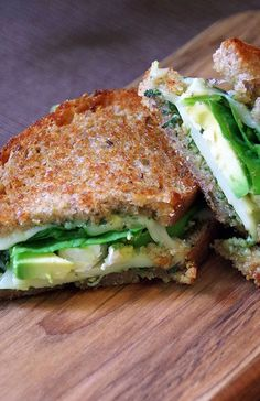 Yum. Here's a great Meatless Monday option: Grilled cheese with mozzarella, spinach and avocado. It's an easy meal that doesn't require a lot of cooking. | Diane Hoffmaster