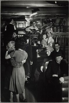 Brassaï, Bal musette à la Boule Rouge, Paris, ca. 1935-1936.