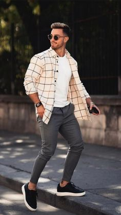 Mens Casual Dress Outfits, Stylish Mens Outfits, Trendy Mens Fashion, Mens Fashion Suits, Mens College Fashion, Mens Athletic Fashion, Mens Fashion Summer Outfits, Mens Fashion Sweaters, Look Man