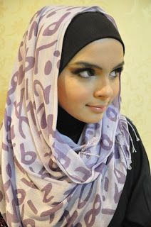 Muslim Women Fashions: Hijab Fashion Ideas