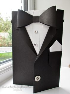 Fancy! Watch a video tutorial to create this elegant tuxedo card - perfect for weddings or graduation.