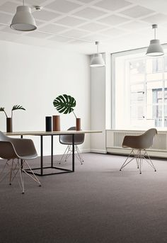 Beautiful office design with Twist & Shine Micro carpet tile from Interface.