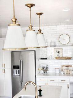 Trendy kitchen lighting over island farmhouse bar stools Gold Kitchen Faucet, Kitchen Pendants, Kitchen With Gold Hardware, Gold Faucet, Kitchen Sink, Kitchen Island, Kitchen Aid Appliances, Kitchen Countertops, White Quartz Countertops