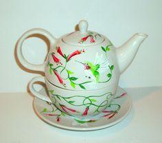 Colibríes té de una tetera con taza y platillo selección de diseños 3 pintadas pieza pintada a mano Tea Set para uno hecho a la medida  Este