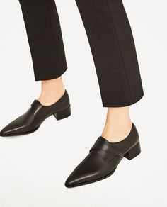 Image 6 of BLACK FLAT LEATHER SHOES from Zara