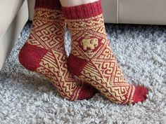 Water for the elephants sock pattern. Free Ravelry download. Uses size US1 and fingering weight yarn.