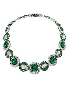 Lady Diana Princess of Wales emeralds. Royal Crown Jewels, Royal Crowns, Royal Jewelry, Tiaras And Crowns, Vintage Jewelry, Fine Jewelry, Jewelry Box, Emerald Necklace, Emerald Jewelry