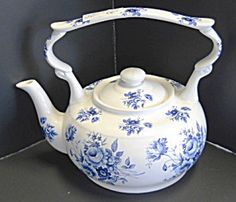 Arthur Wood Blue and White English Tea Pot. Please click on the image for more information.