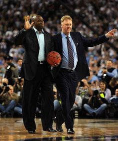 Magic Johnson and Larry Bird Basketball Pictures, Love And Basketball, Sports Basketball, College Basketball, Basketball Players, Basketball Quotes, Larry Bird, Boston Sports, Magic Johnson
