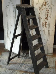 one of my current obsessions FleaingFrance Brocante Society Reference for more ideas within Antique Ladder, Old Ladder, Vintage Ladder, Vintage Doors, Little Girls Playroom, Old Wooden Ladders, Le Logis, Primitive Antiques, Hanging Pictures