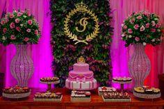 Festa Rosa e Dourada da Isadora - Debuteen - O Blog da Debutante Candy Table, Dessert Table, A Table, Elegant Party Themes, Free Iphone Giveaway, Backdrop Design, Ideas Para Fiestas, 15th Birthday, Birthday Party Decorations