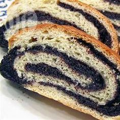 Photo recette : Gâteau roulé aux graines de pavot (makotch)