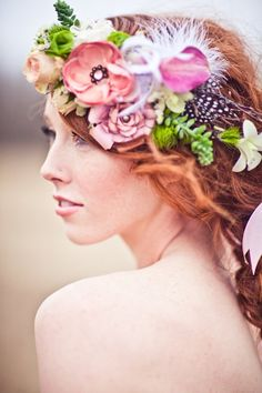 Such an incredible shabby chic hair wreath by http://akikofloral.com | Photo by http://jfyphotography.com