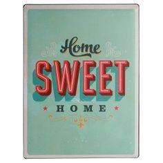 Enfin à la maison ! Le panneau en métal dans son look rétro souligne d'autant plus la sensation si agréable d'être de retour chez soi ! Cette pancarte apporte une atmosphère chaleureuse qui ravira aussi bien les habitants de la maison que les invités ! Une idée cadeau parfaite pour une pendaison de crémaillère ou comme cadeau déco en toute occasion !