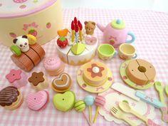 Mother Garden Wooden Toy Strawberry Heart Cake Dx Set