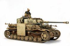 Panzer IV Ausf.H. Panzer 1/35 Scale Model