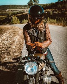 Travel, Cafe Racers and Fashion. Come with me on an adventure. #Motorsports #F1 #Formula1 #Sexy...