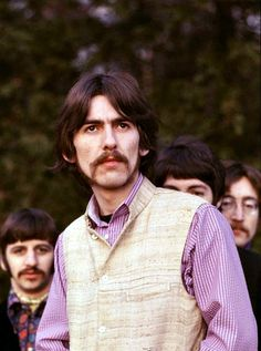 The history of The Beatles – albums, singles, life events of John Lennon, Paul McCartney, George Harrison and Ringo Starr. The Beatles, Beatles Photos, John Lennon Beatles, Beatles Funny, Beatles Art, Ringo Starr, George Harrison, Paul Mccartney, Actor