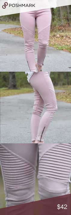 Dusty pink moto leggings Cotton spandex skinny pants with elastic in the waist and stretch in the fabric. Fits True to size. Zipper and pleating details. Pants Leggings