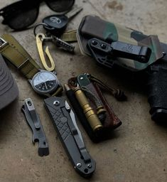 Everyday Carry and Tactical Wilderness Survival, Survival Tools, Survival Knife, Bushcraft Skills, Bushcraft Gear, Hiking Gear, Camping Gear, Backpacking, Tactical Gear