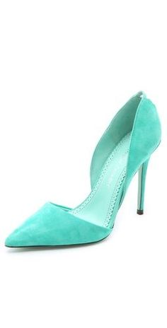 25 Summer Shoes To Copy Now - Women Shoes Trends Pretty Shoes, Cute Shoes, Me Too Shoes, Suede Pumps, Pumps Heels, High Heels, Azul Tiffany, Shoe Wardrobe, All About Shoes