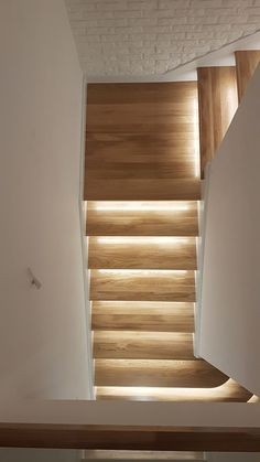 This kind of staircase diy is absolutely a powerful style principle. Staircase Lighting Ideas, Wood Staircase, Modern Staircase, Home Stairs Design, Interior Design Living Room, House Design, Stair Walls, House Stairs, Home Fashion