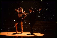 Lindsey Stirling Ties for 'DWTS' Week One's Highest Score - Watch Her Dance!