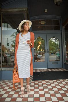 Wandering how to transition from summer outfits to fall outfits? Here are some tips to create stylish fall transition outfits that you can wear every day. Modest Summer Outfits, Modest Dresses, Spring Outfits, Midi Dresses, Church Outfit Summer, Sheath Dresses, Summer Dresses, Cardigan Outfits, Dress Outfits