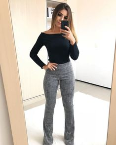 38 Adorable Office Outfits Ideas Choosing the right clothes for work attire is a crucial task because it will reveal both your charisma and professional […] Summer Work Outfits, Casual Work Outfits, Mode Outfits, Classy Outfits, Fashion Outfits, Womens Fashion, Chic Outfits, Cute Office Outfits, Office Attire Women Casual