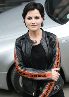 Dolores O'Riordan 6 Sep 1971 – 15 Jan 2018 Irish singer-songwriter, of band The Cranberries Irish Singers, Female Singers, Andy Rourke, Irish Rock, Dolores O'riordan, Ugly Outfits, I Want To Cry, Thanks For The Memories, Star Wars