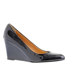 I want a pair of black patent wedges with a closed toe so dang bad.