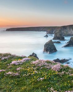 Bedruthan Steps, near Newquay in Cornwall. Travel in England, Europe Penzance Cornwall, Newquay Cornwall, Places To Travel, Places To See, Things To Do In Cornwall, Cornish Beaches, Cornwall Beaches, English Countryside, Beautiful Beaches