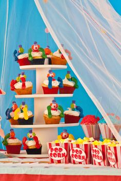 Clown cupckes for circus Party theme