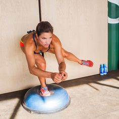 Julia Mancuso's Winter Games Workout Plan Olympic Skier Julia Mancuso Bikini Winter Games Workout Bosu Workout, Workout Ball, Step Workout, Workout Ideas, Training Legs, Skiing Workout, Bosu Ball, Celebrity Workout, Gym Routine