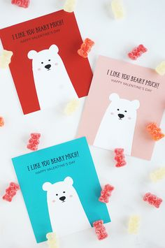 Valentine's Day is just around the corner and we've created these adorable Free Printable Classroom Valentines for you. They are cute and colorful! day party diy Free Printable Classroom Valentines - Alice and Lois Dinosaur Valentines, Kinder Valentines, Happy Valentines Day Card, Bear Valentines, Valentines Day Decorations, Valentines Day Party, Valentine Day Crafts, Free Printable Valentines, Funny Valentine