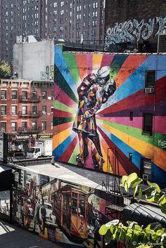 L'art Graphique d'Eduardo Kobra est sa manière de lutter contre l'exclusion urbaine et d'embellir les immeubles abandonnés.