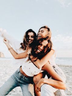 ideas funny friends photography bud for 2019 Photos Bff, Best Friend Photos, Best Friend Goals, Bff Poses, Cute Poses, Shooting Photo Amis, Best Friend Photography, Funny Photography, Fashion Photography