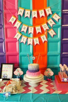 What a great backdrop using square paper plates at an iCarly party! Fiesta Little Pony, Little Pony Party, First Birthday Parties, Girl Birthday, Birthday Ideas, Heart Party, Icarly, Diy Party, Party Ideas