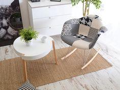 Designerski stolik kawowy z tworzywa TWIST biały - w aranżacji z MPA ROC TAP