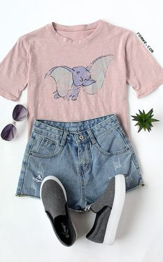 Cute disney outfits - Go ahead and ease your mind about what you should wear today! You should wear this super lovely top! So casual and comfy for a relaxed day Cute Disney Outfits, Disneyland Outfits, Disney Inspired Outfits, Disney Style, Disney Clothes, Disneyland Outfit Summer, Disney Shirts, Teen Fashion, Fashion Outfits