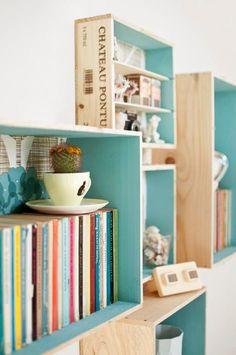 Estanterias hechas con cajas de madera