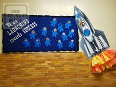 Make sure your students know they can set their sights sky high - all the way to space! New Classroom, Classroom Design, Classroom Displays, Science Classroom, Easy Bulletin Boards, Back To School Bulletin Boards, Teaching Kindergarten, Teaching Ideas, Science Projects