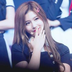 Stage name : Sana 사나 Full name : Minatozaki Sana Birthday : 1996.12.29 (21) Group : TWICE Fanclub name : ONCE Position : Vocalist Lead Dancer Height : 168 cm Weight : 48 kg Blood Type : B Nationality : Japanese #Sana #Twice #사나 #트와이스 pic. sanacottoncandy